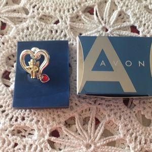 Avon 2005 Cherub Heart ♥️ Pin Original Box